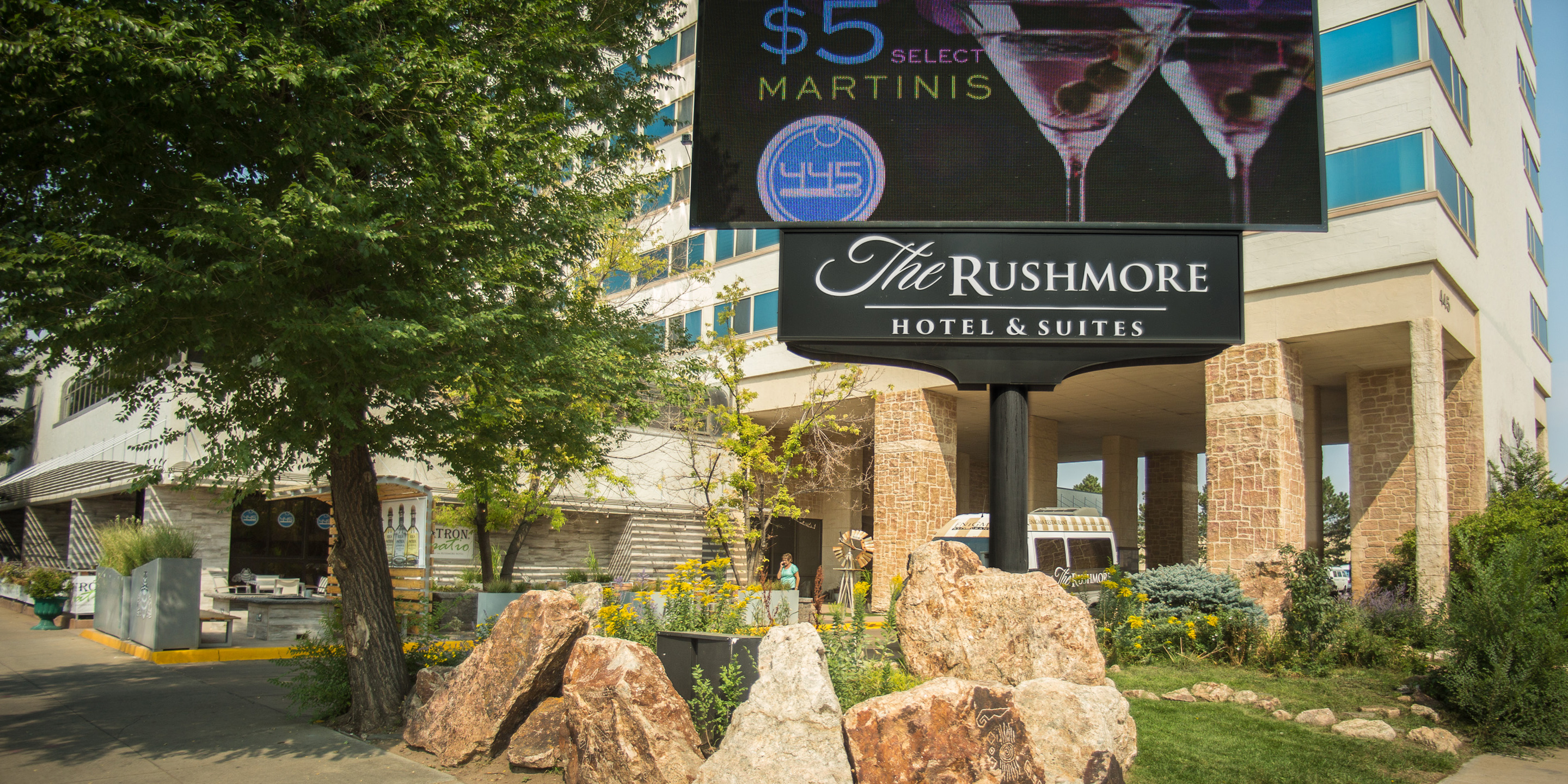 The rushmore hotel rapid city south dakota for Independent boutique hotels